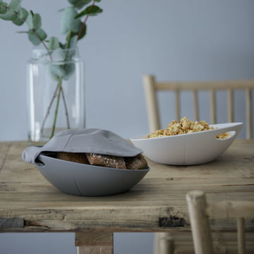 Bread basket with napkin or serving bowl for your favourite snacks.