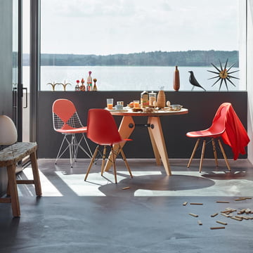 Vitra - Eames Plastic Side Chair DSW