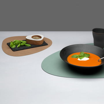 Round table mat from LindDNA in 2 sizes