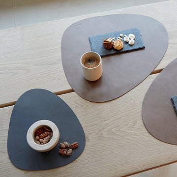 Table set by LindDNA in different colours and sizes.