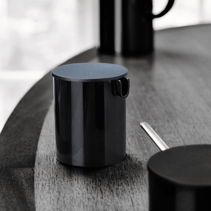 Classic-Line Creamer by Stelton in Black
