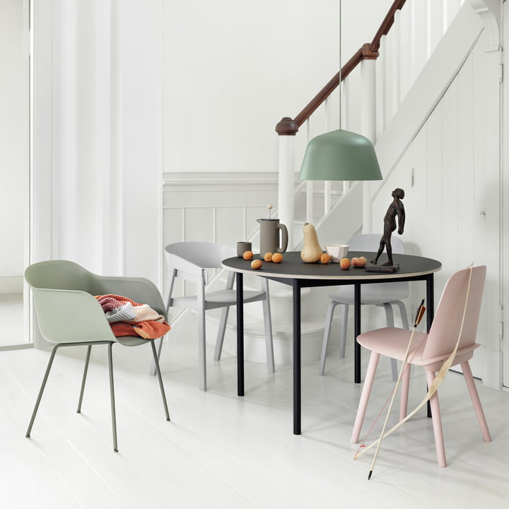 Muuto - Base Table Ø 110 cm in Black with Plywood Edge