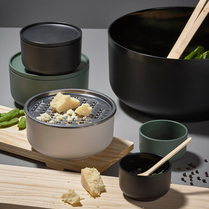 Peili Bowl with Built-in Grater