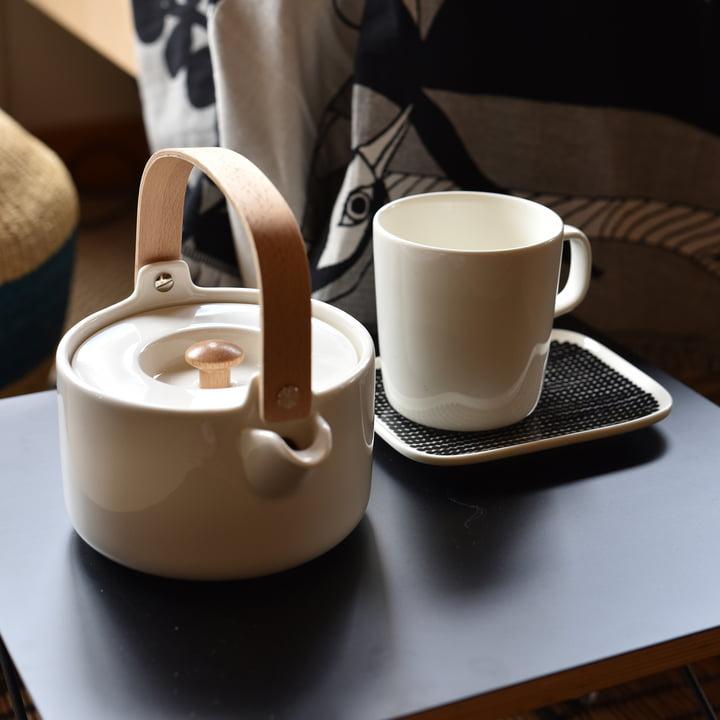 Oiva Teapot by Marimekko in White