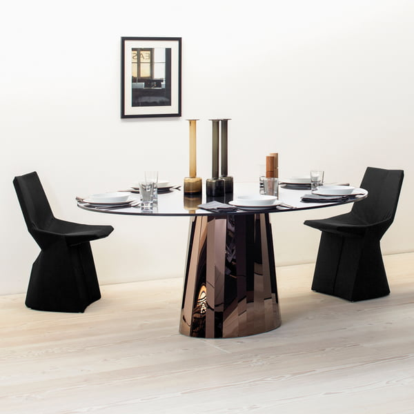 Pli dining table from ClassiCon