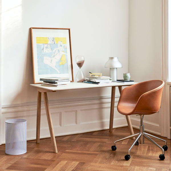PC table lamp by Hay on the CPH90 desk with AAC53